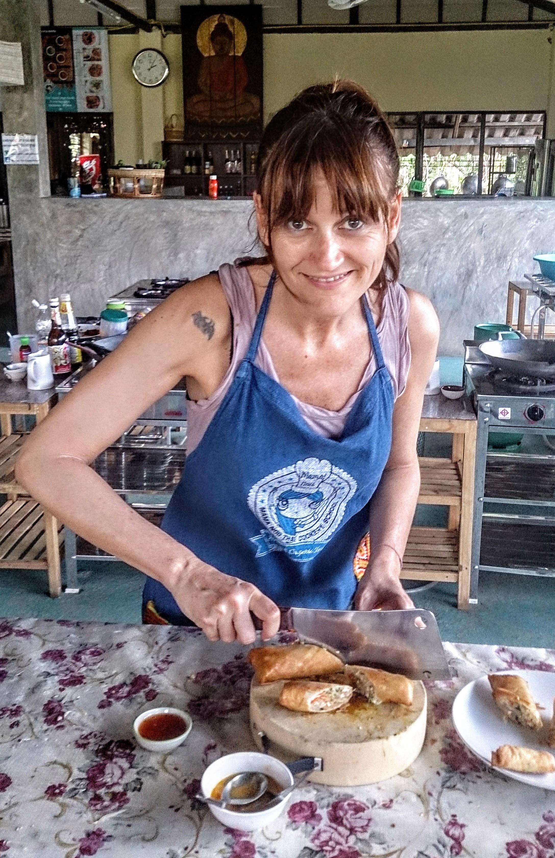 Affa Tafi nella cucina di Mamanoi Chiang Mai