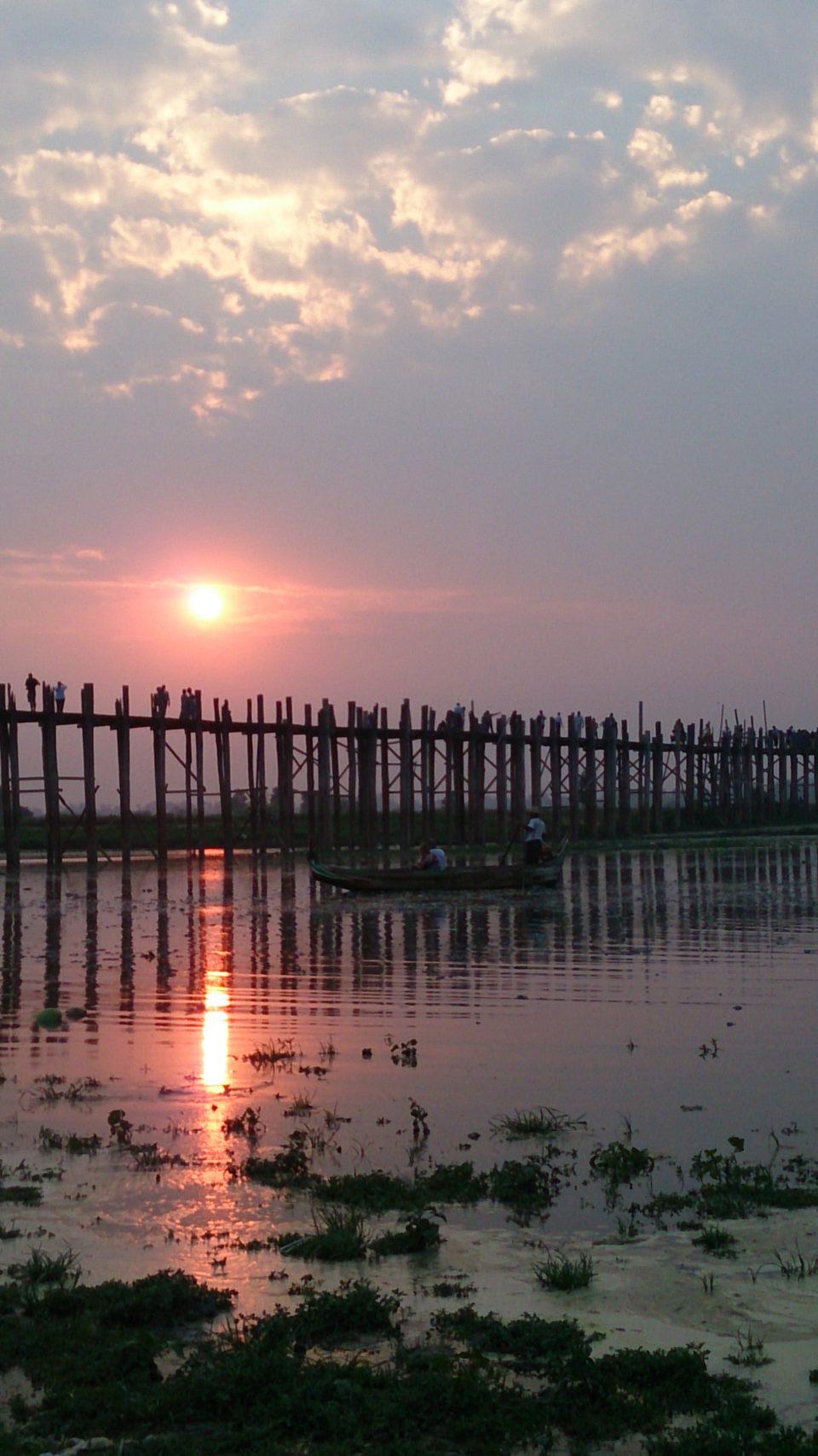 U Bein bridge a Amarapura poco distante da Mandalay - Myanmar