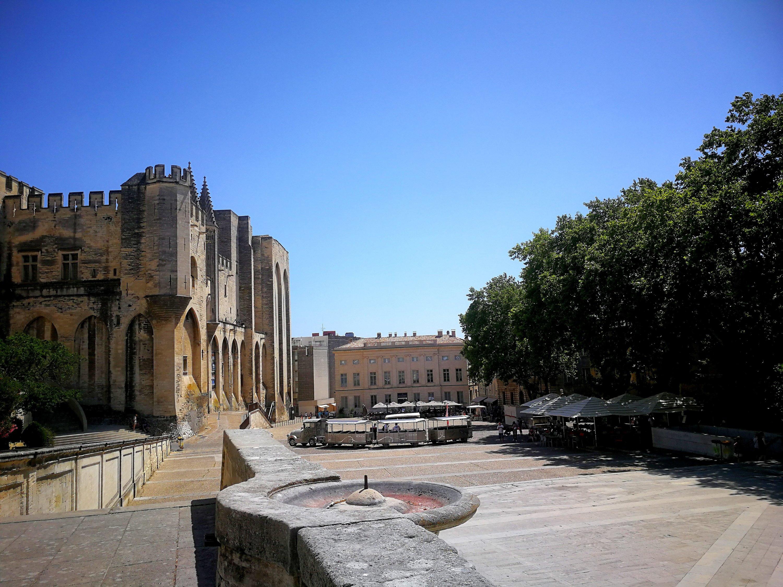 Avventure ad Avignone - Palazzo dei papi ad Avignone
